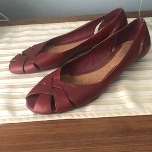 Kenneth Cole reaction red peep toe flats